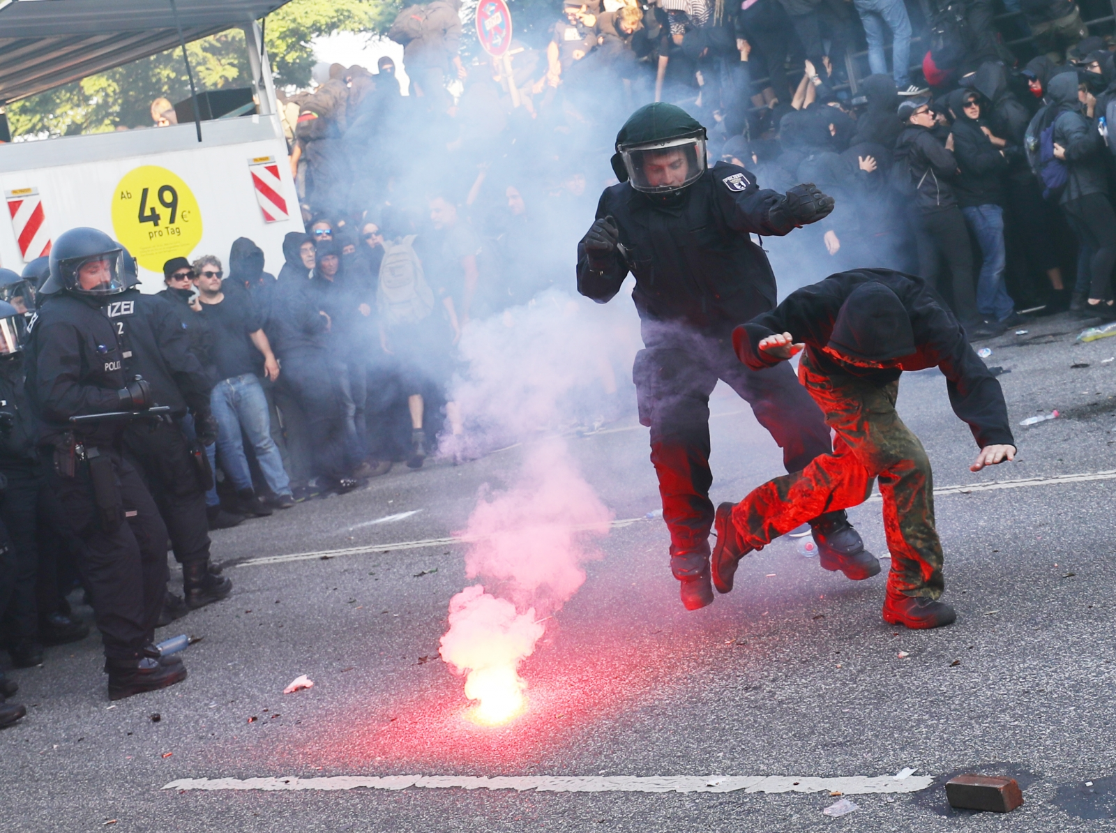 Riots police at G20 protests in Hamburg