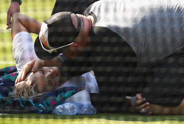 Bethanie Mattek-Sands emotionally describes brutal Wimbledon knee injury