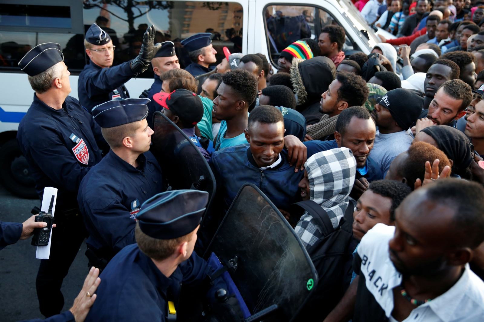 French police migrants Paris