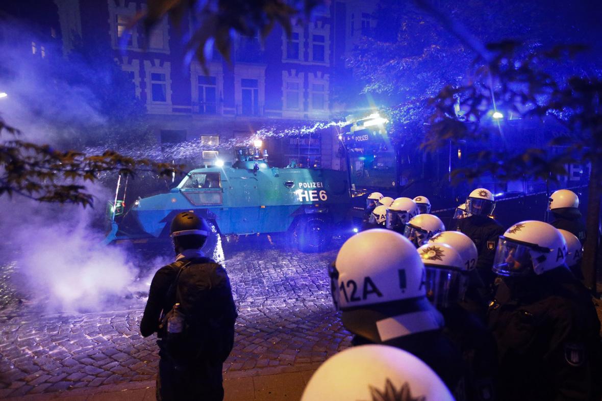 German riot police protesters g20 hamburg