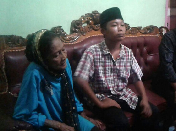 Indonesian teenager elderly woman marriage