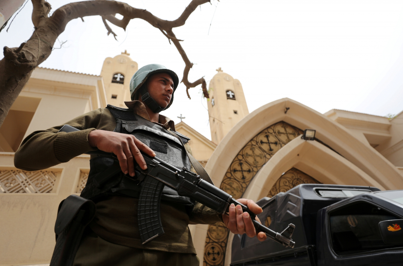 At least 10 Egyptian soldiers killed by auto bombs in Sinai
