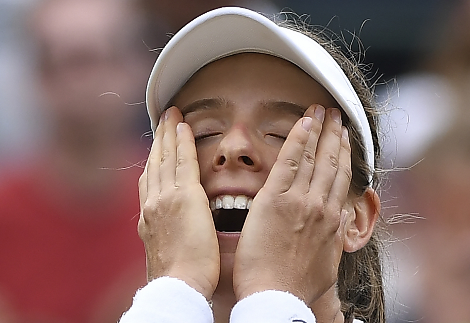 Konta first British woman in last-eight for 33 years