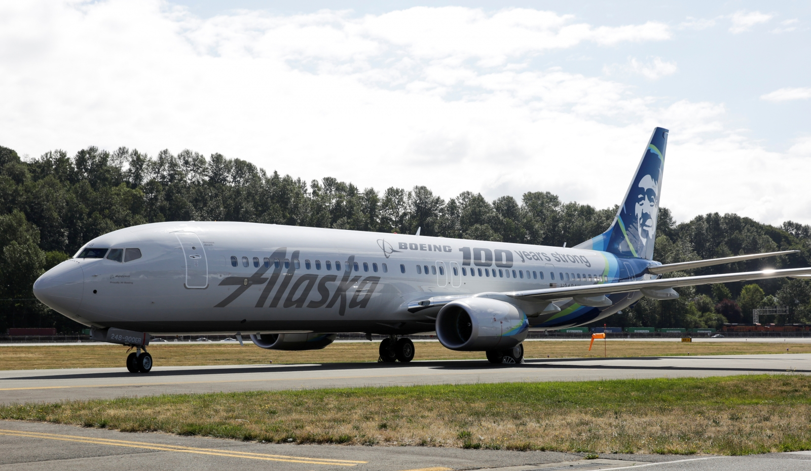 OR woman gets probation for in-flight licking and groping aboard Alaska Airlines
