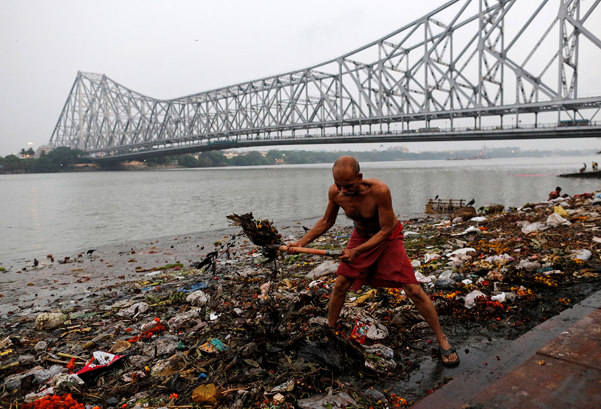 human waste in ganga Sewage pollution of the river ganga: an ongoing case study in varanasi,  about sewage pollution of the river ganga  untreated human and animal waste.