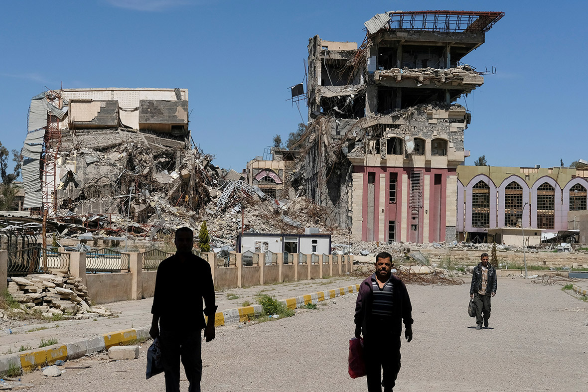 Mosul: The stories behind the photos