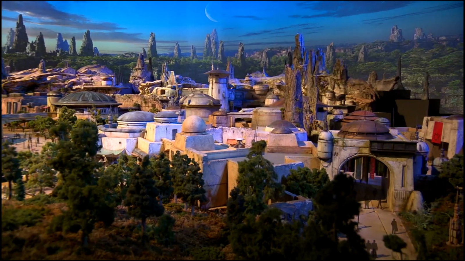 First glimpse of Disney Park's Star Wars-inspired land model