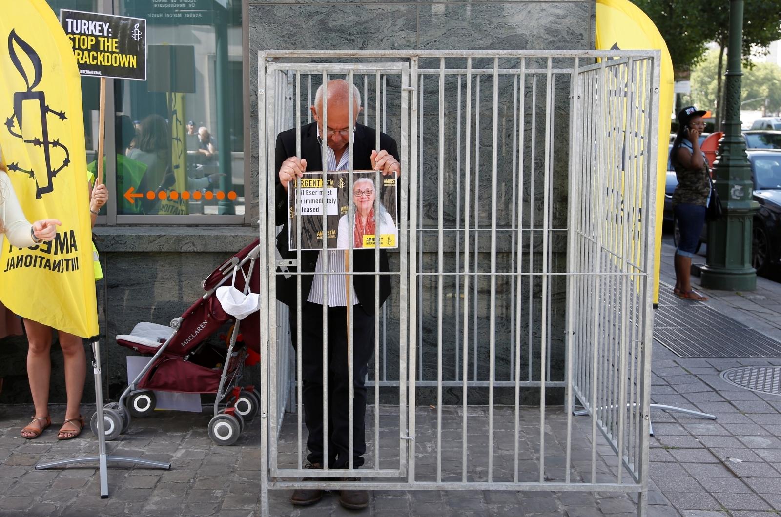 Idil Eser arrest