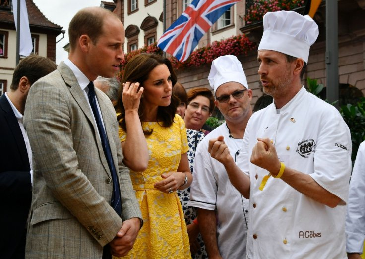 Duke of Cambridge (L) and his wife the Duchess of Cambridge