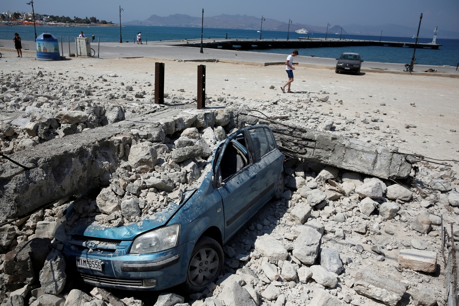 Greece and Turkey photos: Earthquake kills two tourists in ...