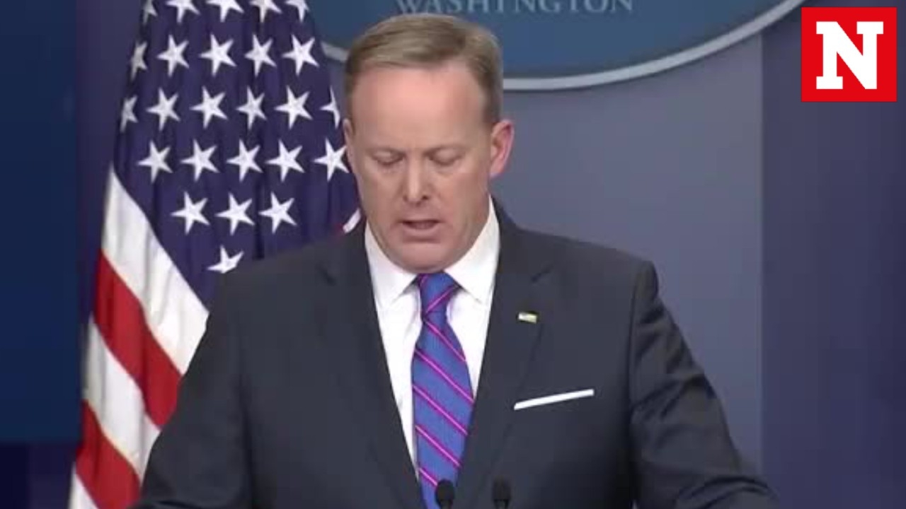 Sean Spicer's most memorable awkward moments