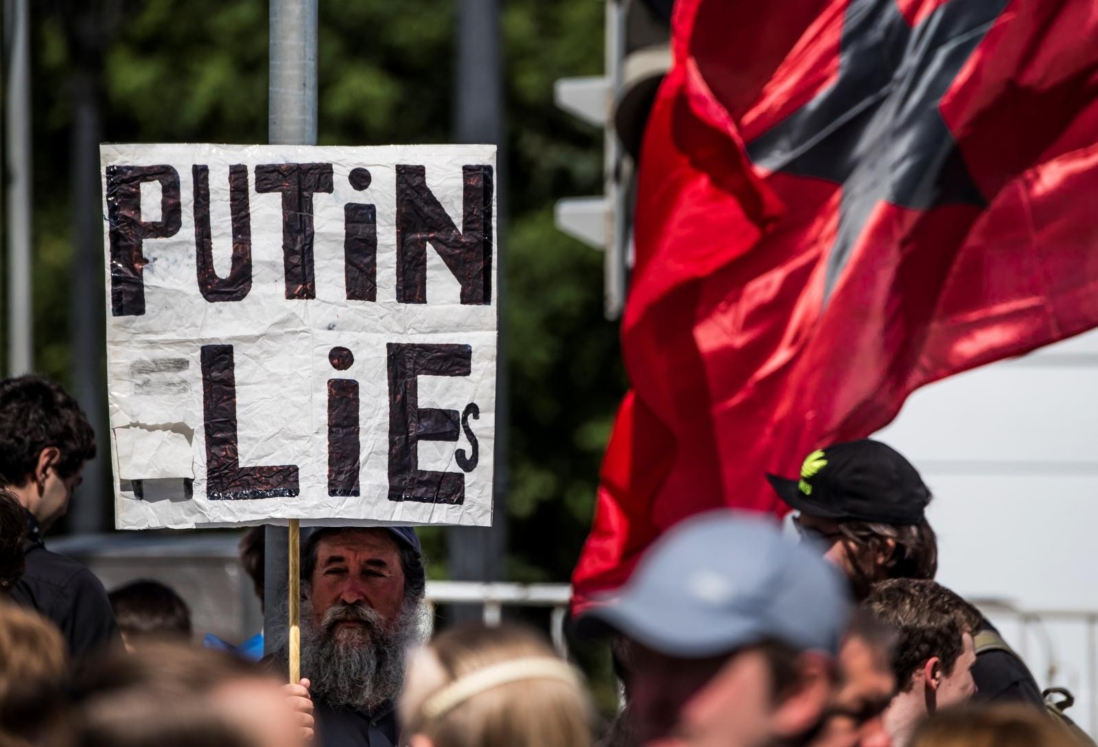 Putin Lies sign