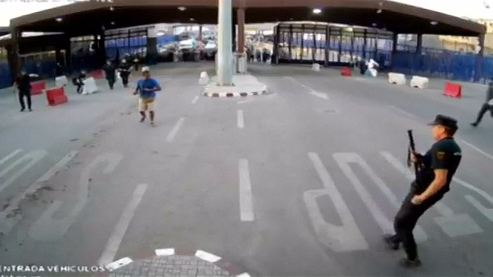 spanish-police-attacked-by-knife-wielding-man-on-moroccan-border