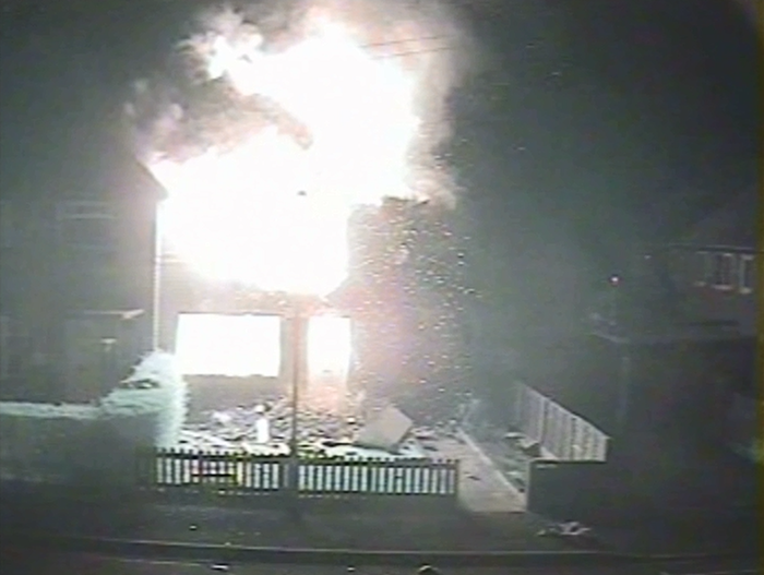 CCTV footage shows fraudsters fleeing exploding house following arson attack