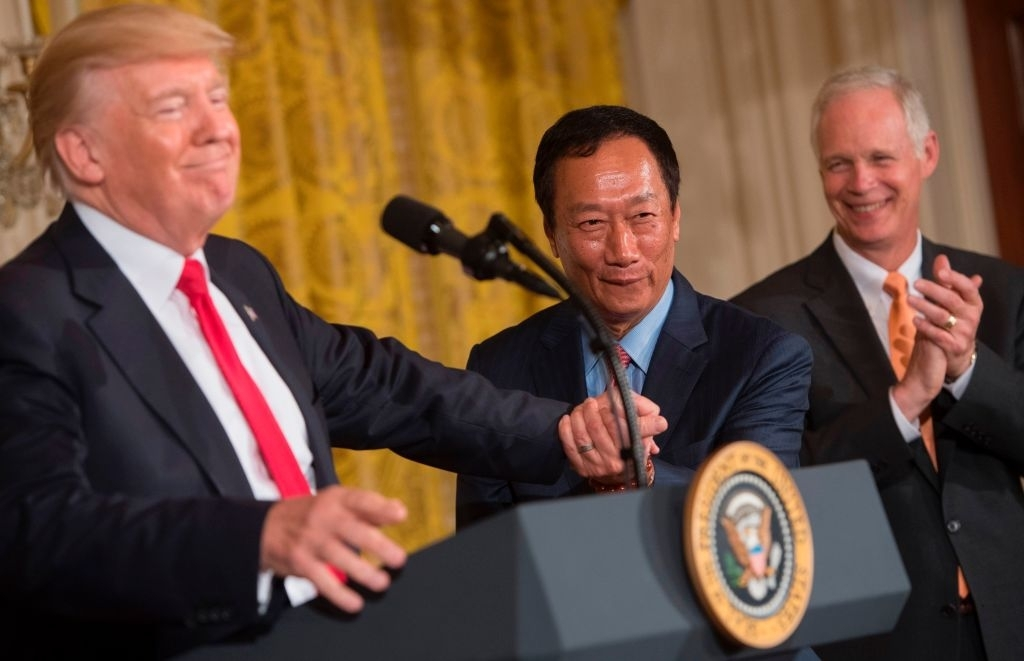 Foxconn to build LCD factory in Wisconsin