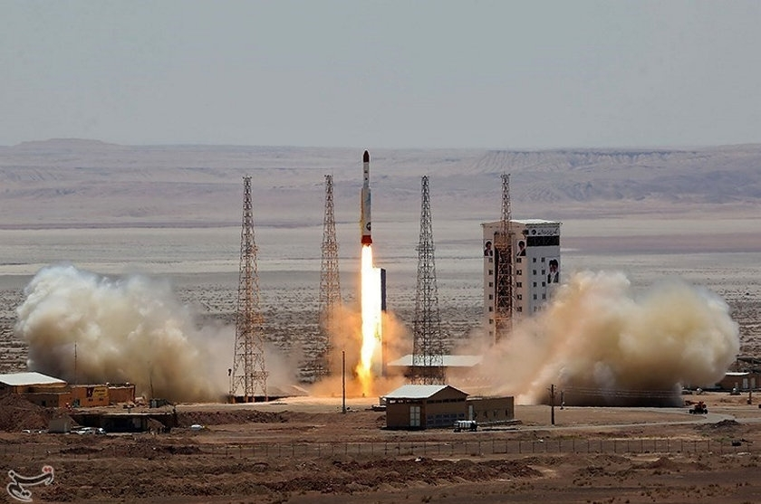 Iran launches satellite carrying rocket