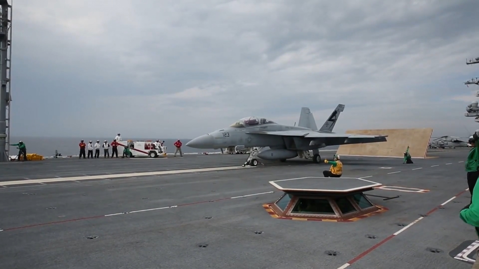 watch-us-navy-launch-fighter-jet-using-the-worlds-first-electromagnetic-catapult