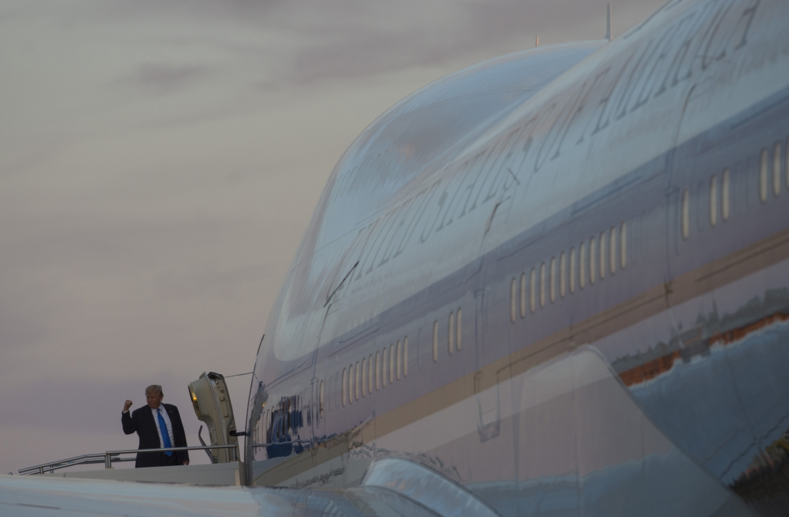 Trump May Get 'Boneyard' Boeing 747s For New Air Force One