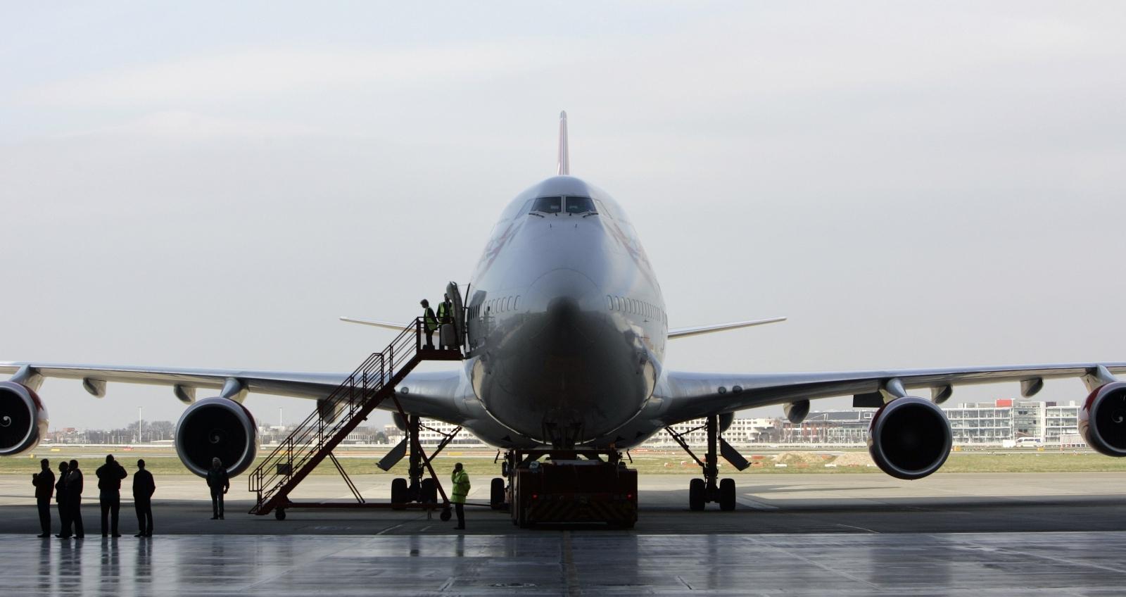 Virgin Orbit rocket launching plane