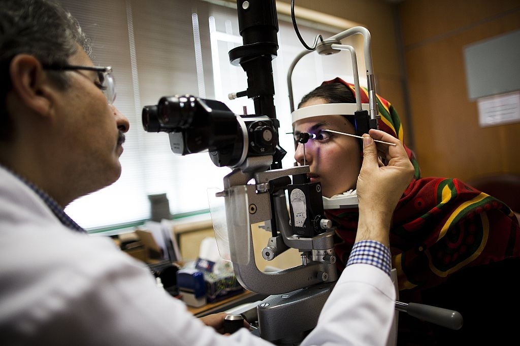 Teen detects eye disease with AI