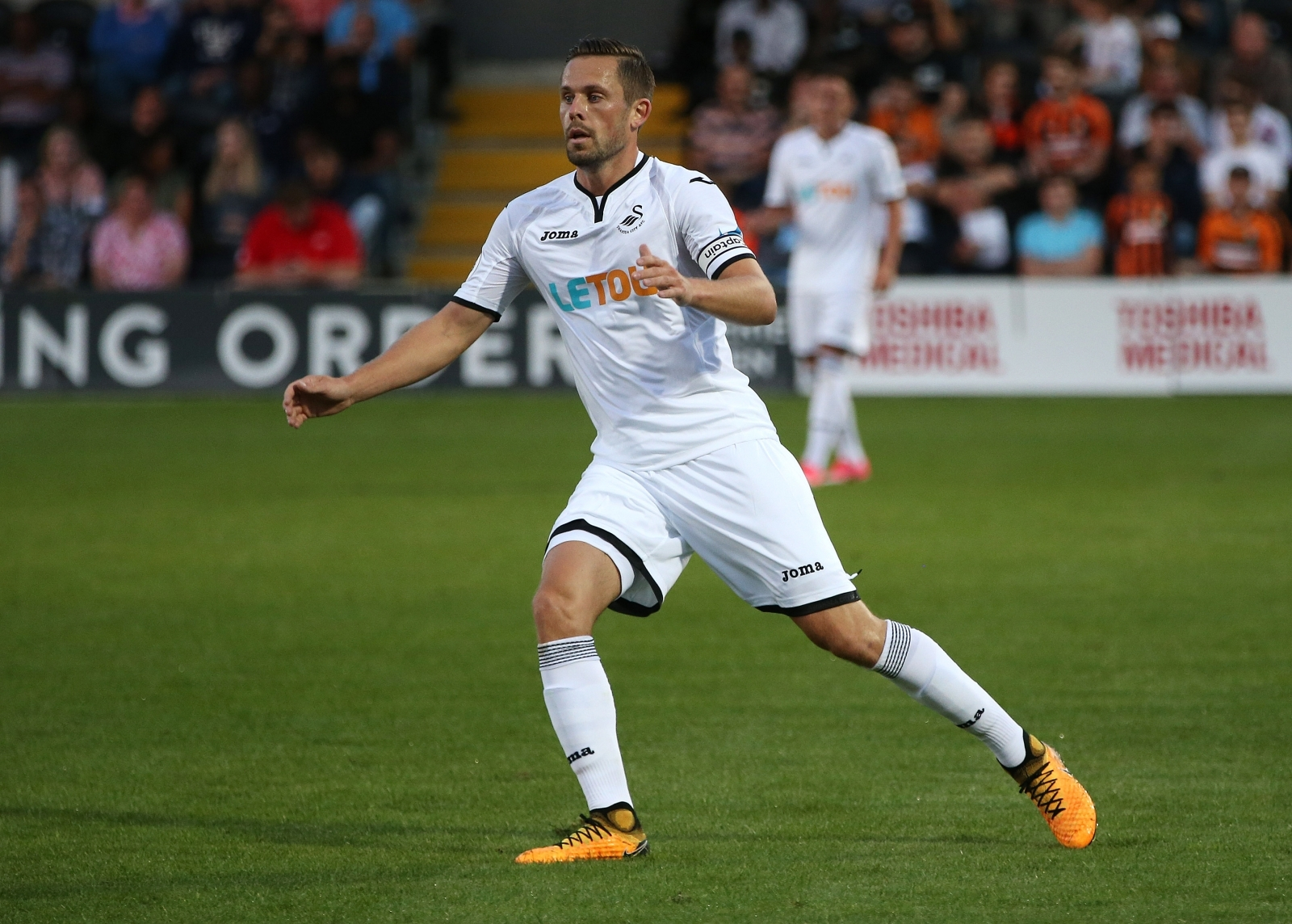 Swansea star Sigurdsson heading to Everton