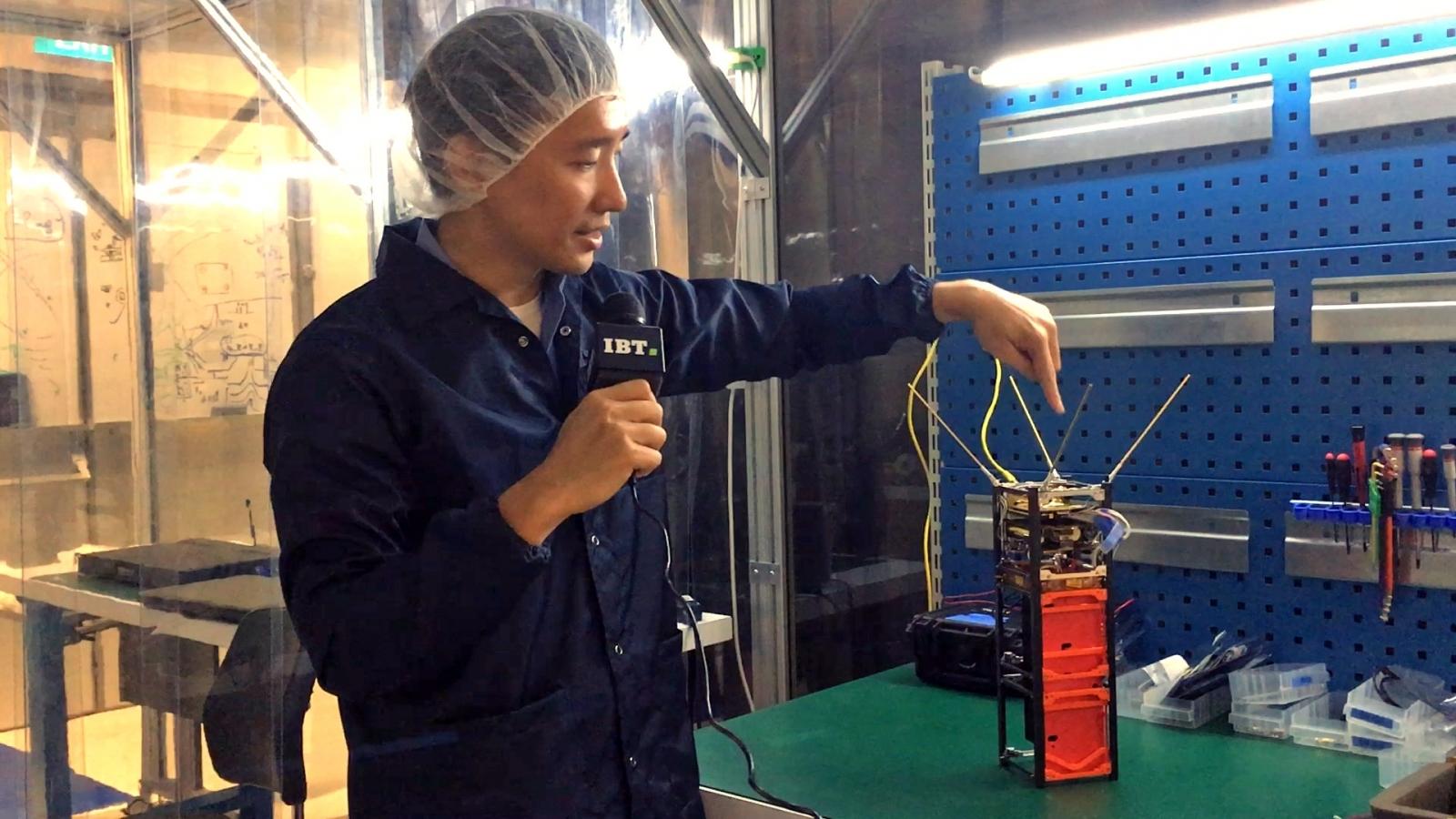 Dr Alexander Ling explains quantum nano-satellite invention