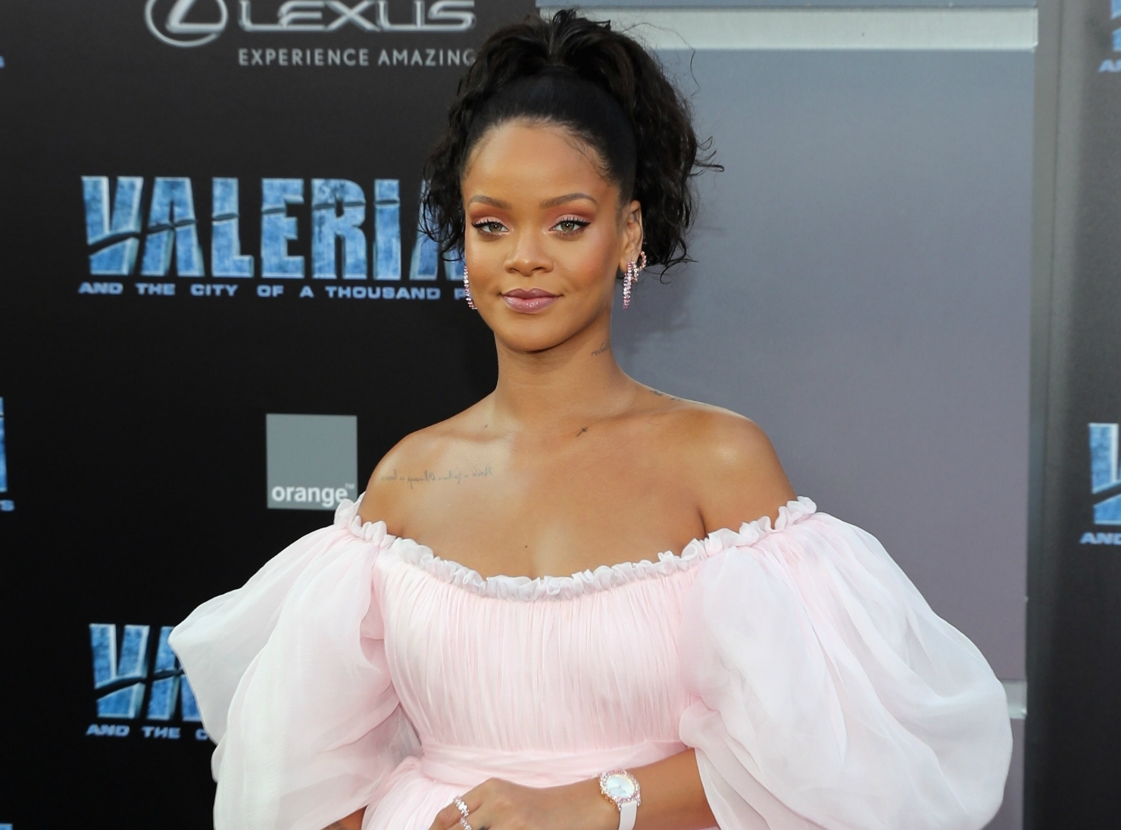 Chris Brown Commented on Rihanna's Sizzling Instagram Pics