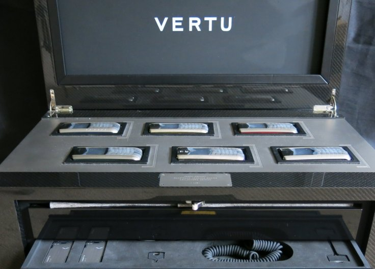 Vertu auction