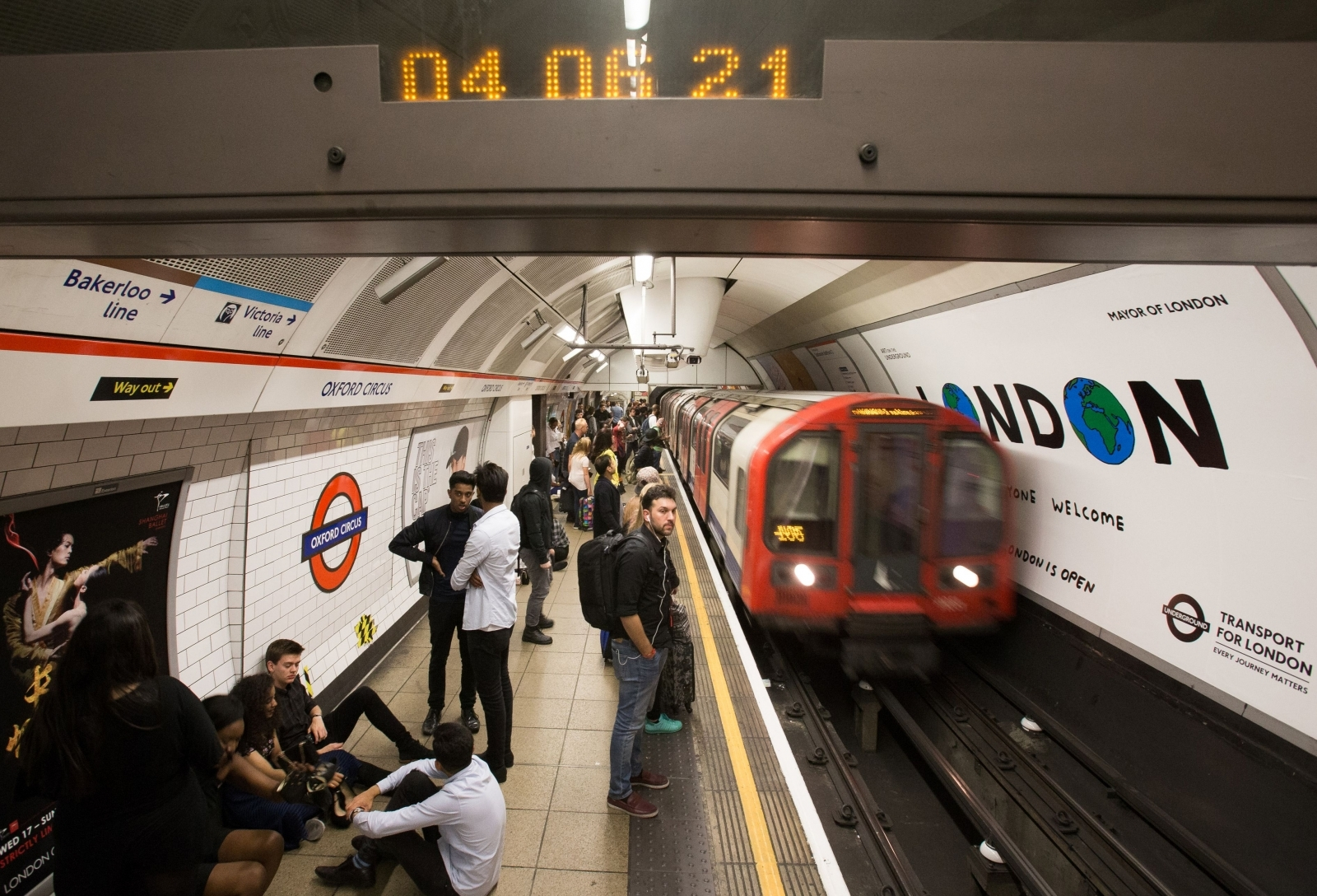 london underground to get 4g coverage in tunnels from 2019. Black Bedroom Furniture Sets. Home Design Ideas