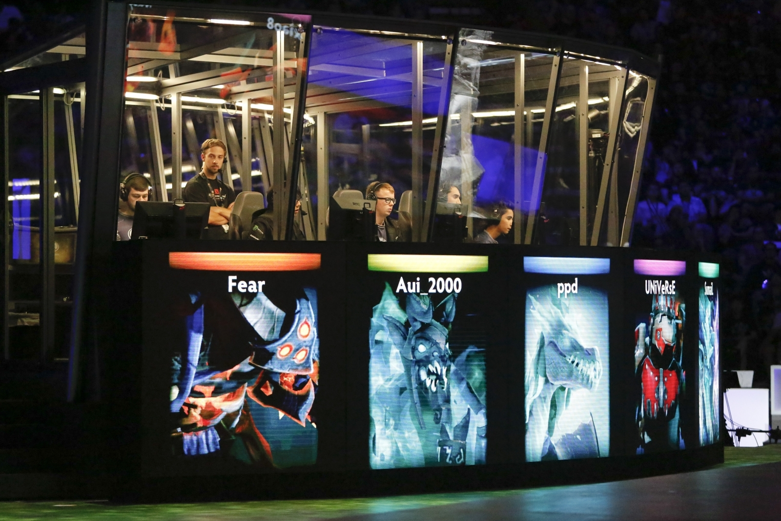 Dota 2-Playing Robot Beats the Pros at The International