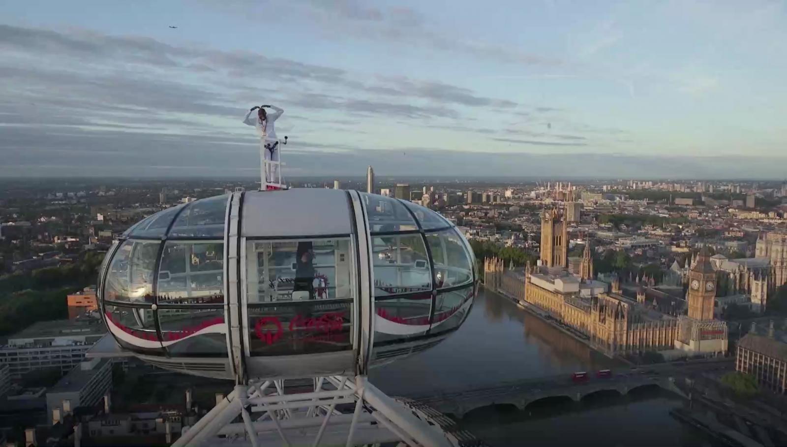 Sir Mo Farah Says Farewell With Signature Move On London Eye
