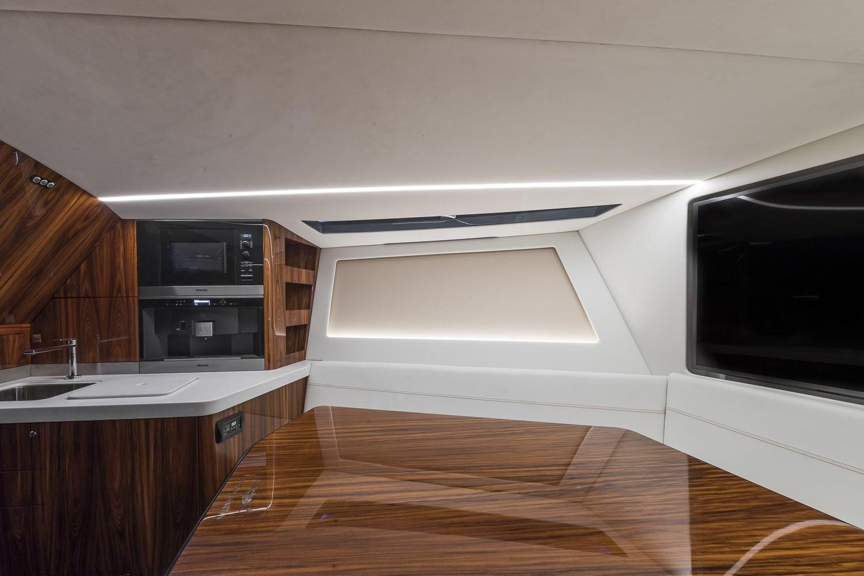 Aston Martin Am37 Yacht First Luxury Speedboat From Sports Car