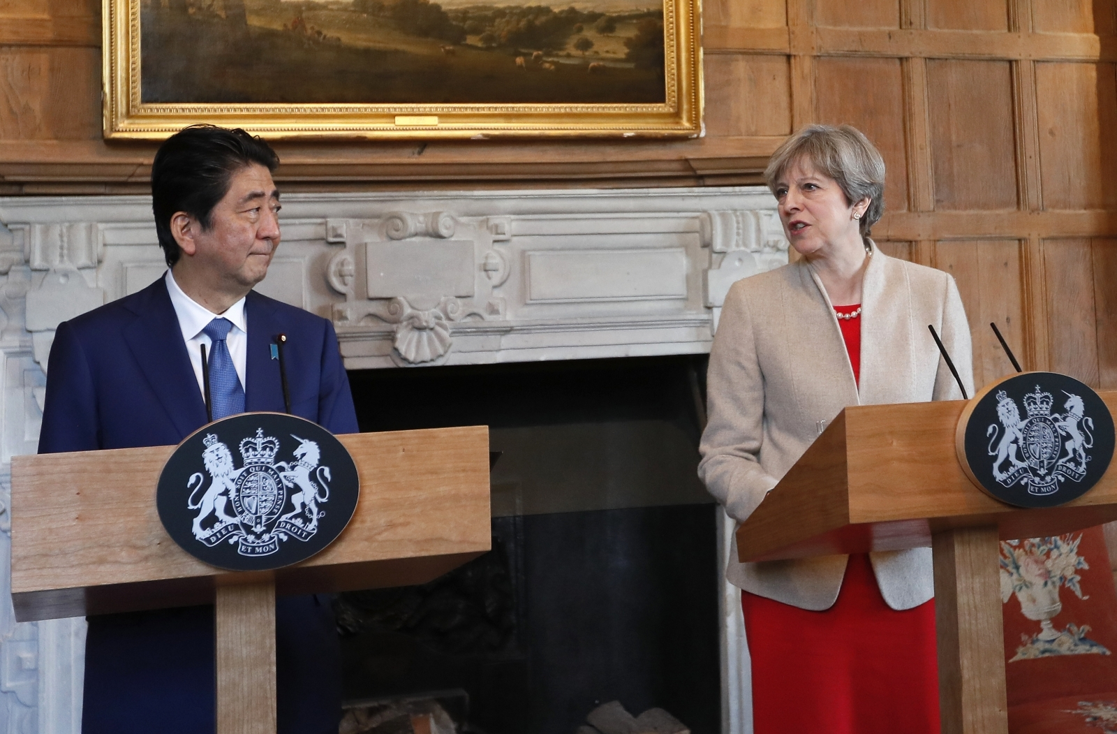 Theresa May and Shinzō Abe