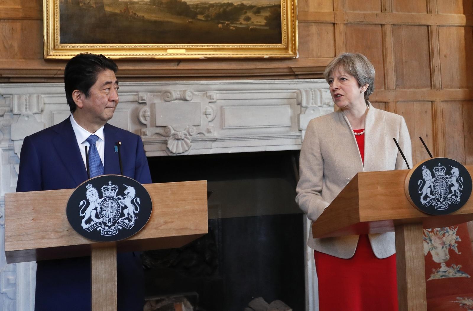 Theresa May and Shinzō Abe