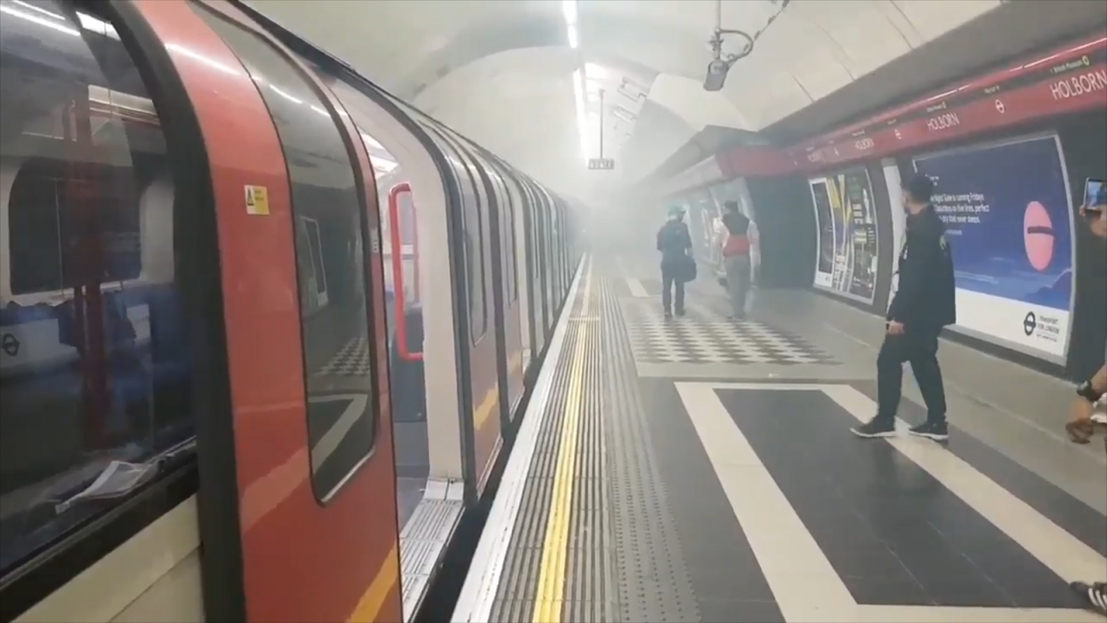london-underground-station-evacuated-after-loud-bang-and-smoke-disrupts-central-line