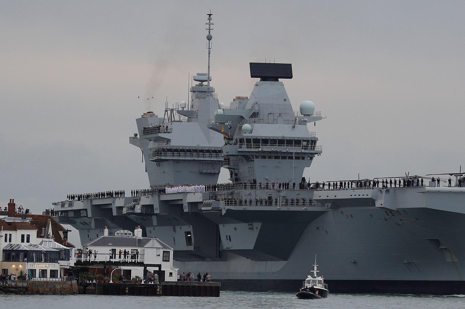 u-k-s-new-warship-hms-queen-elizabeth-arrives-in-portsmouth