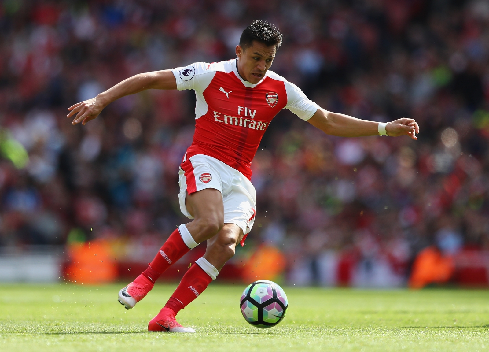 Arsene Wenger willing to let Alexis Sanchez leave for free at end of season