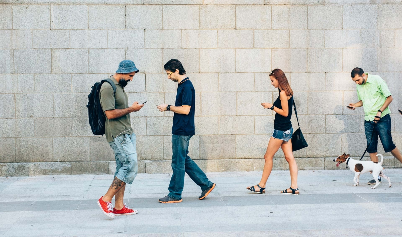 Smartphone zombies backlash: Texting while you walk could ...