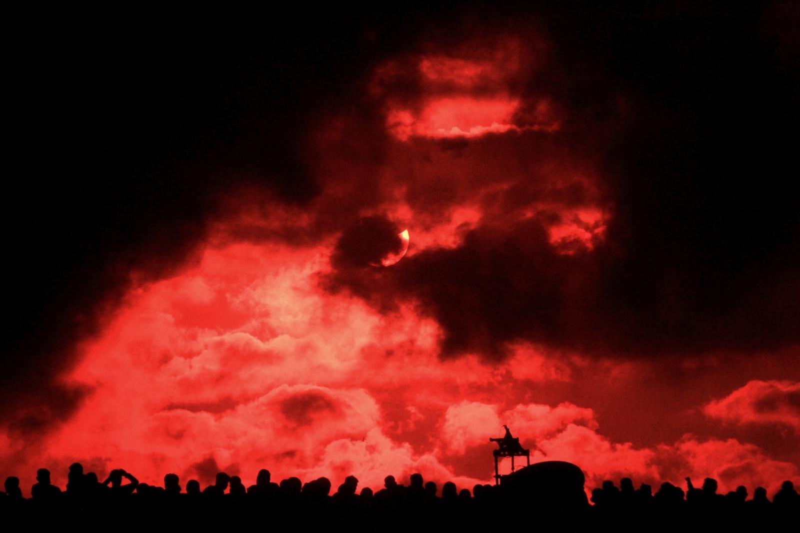 Total Eclipse Apocalypse