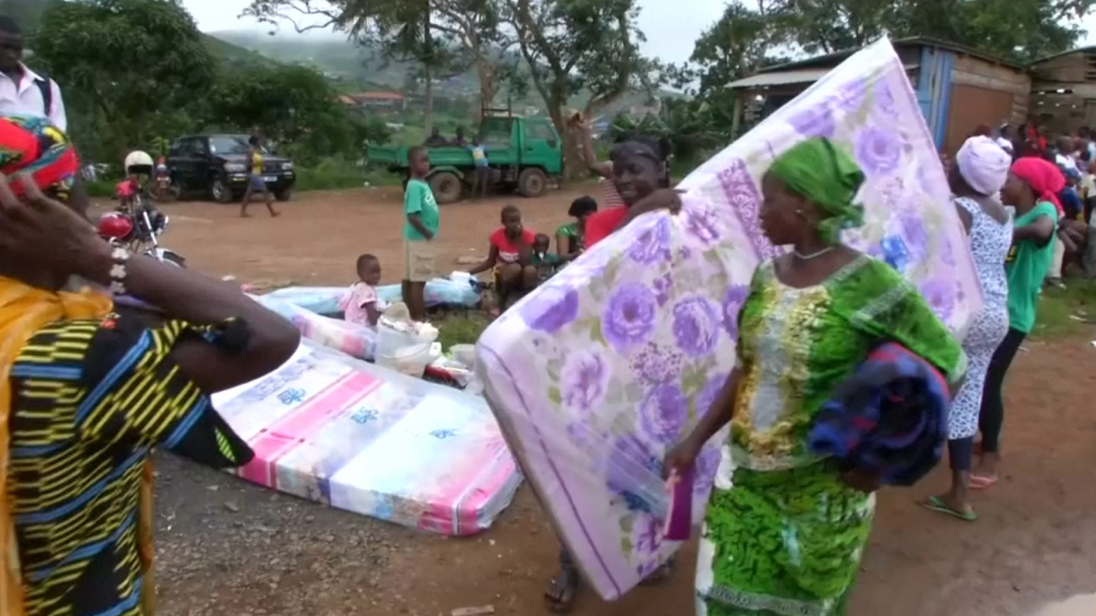 Sierra Leone mudslide: Residents evacuate in fear of second mudslide