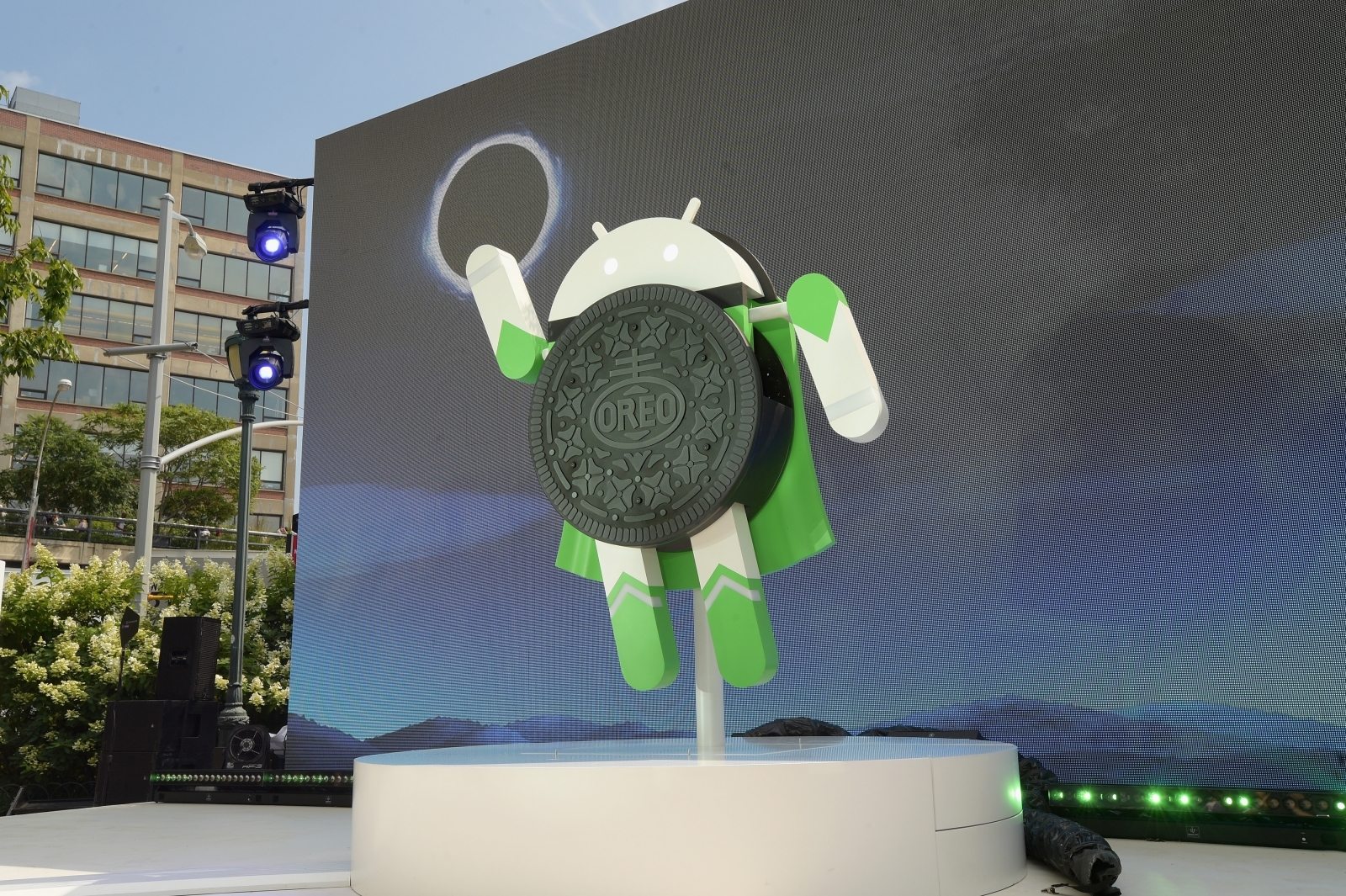 Google to serve next version of Android as 'Oreo