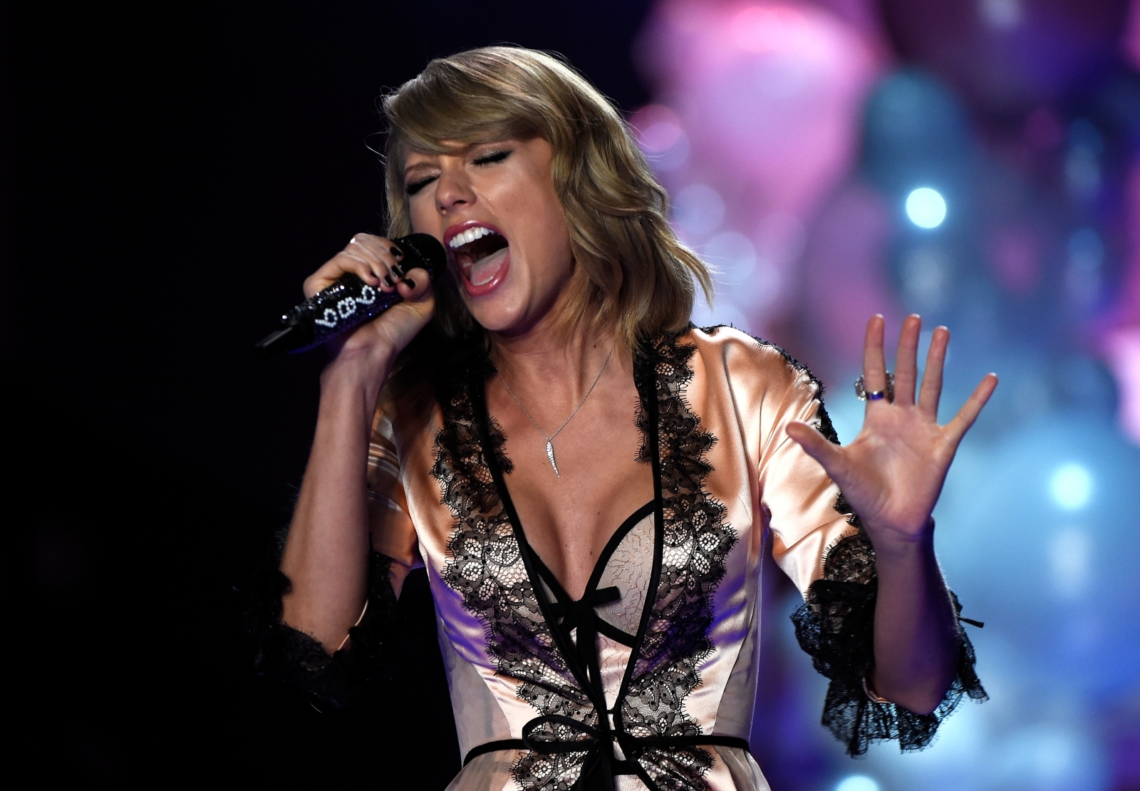 Taylor Swift new album 2017 release date rumors