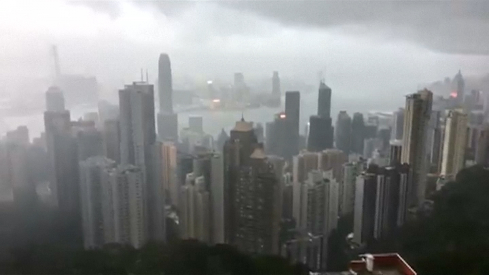 Typhoon Hato batters Hong Kong