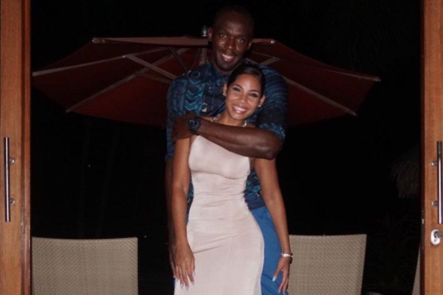 Usain Bolt S Girlfriend Kasi Bennett Swims With Baby