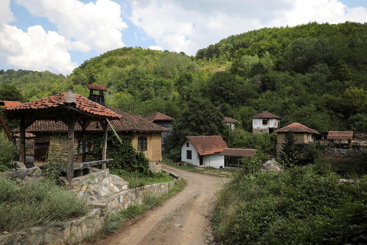 Serbia depopulation ghost villages abandoned