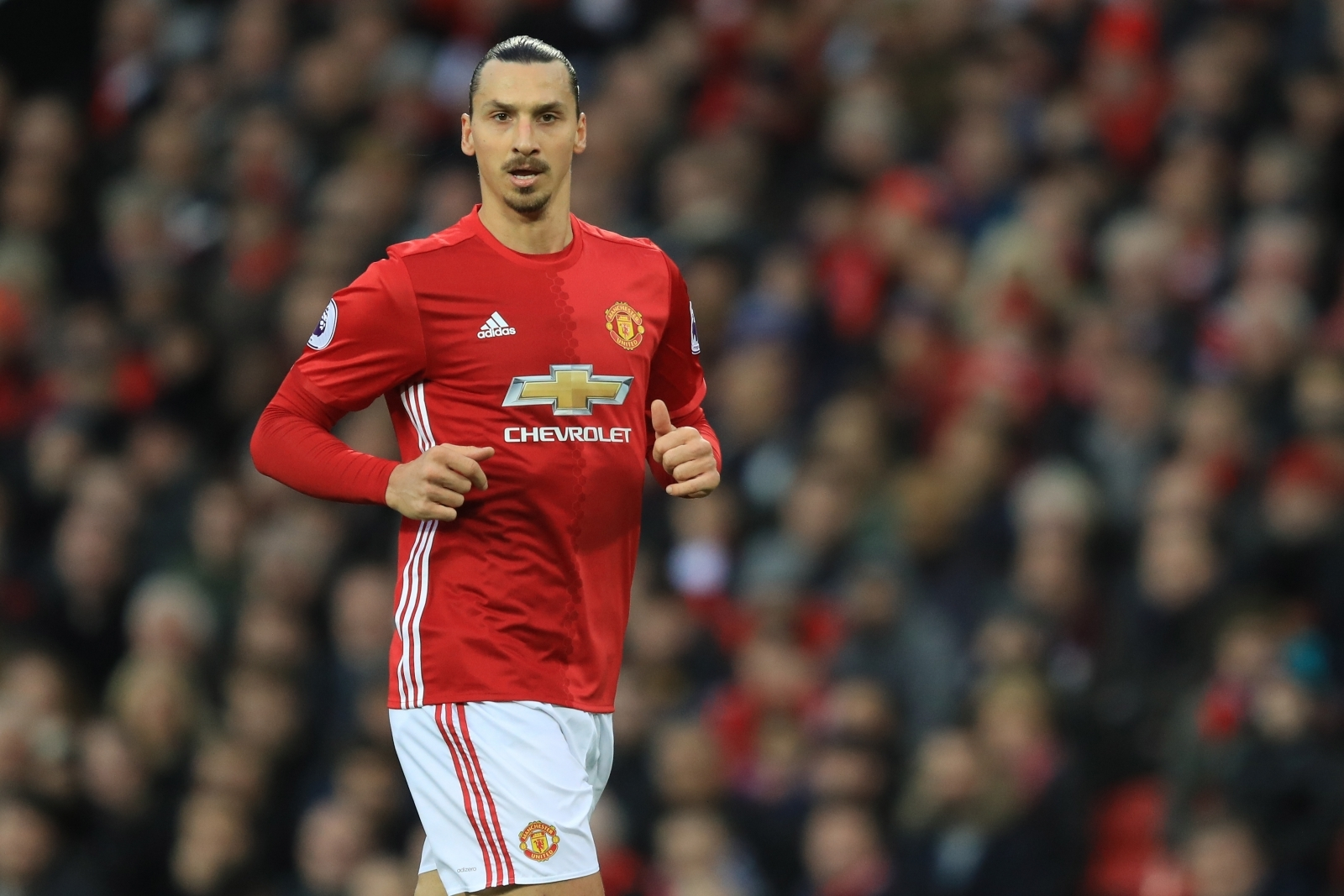 Man Utd Confirm Zlatan Ibrahimovic Has Re-Signed With The Club
