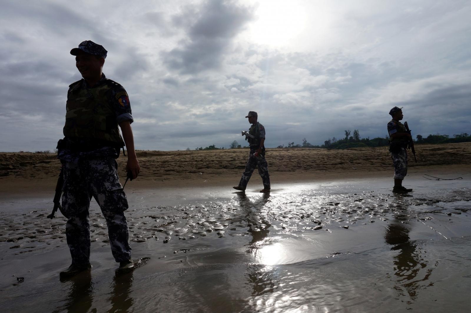Myanmar troops open fire on civilians fleeing attacks