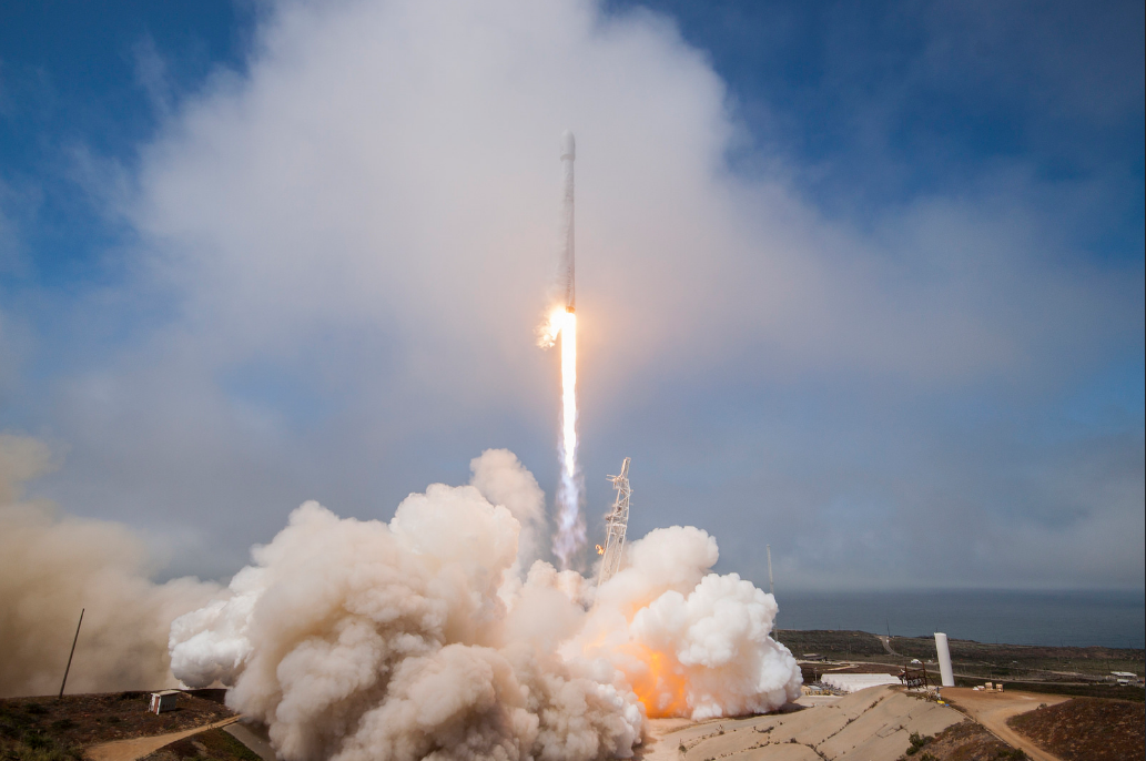 SpaceX sticks another vertical rocket landing at sea