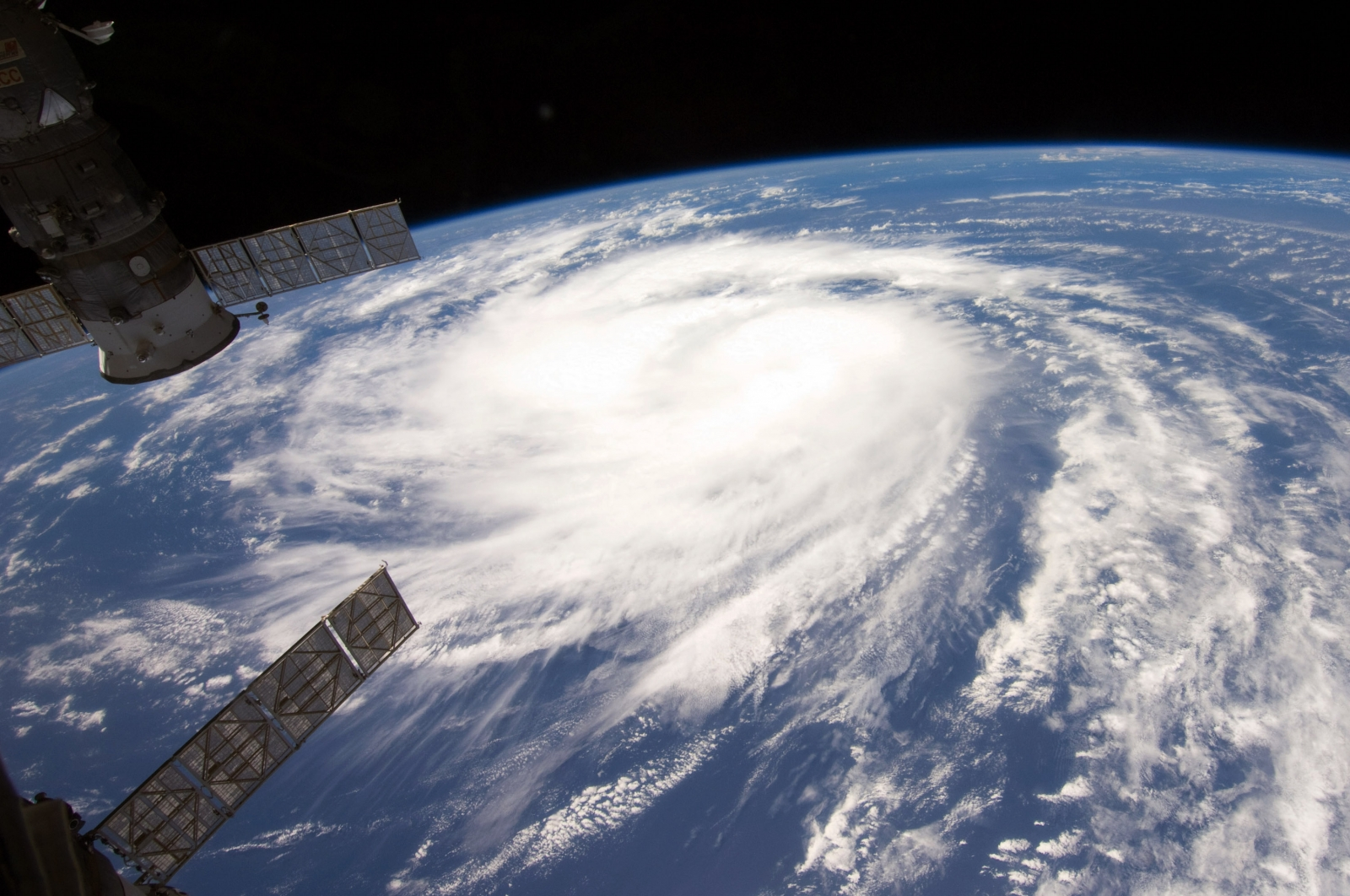 international-space-station-captures-new-footage-of-hurricane-harvey