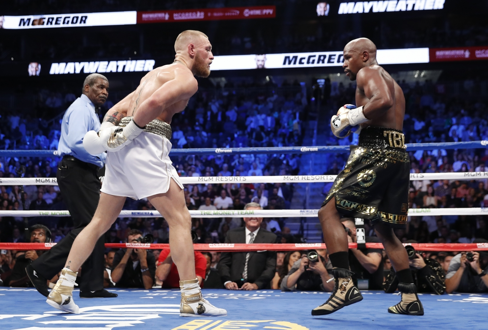 Floyd mayweather 50 and 0 championship highlights - 3 6